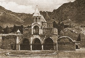 Monastery of Varagavank at Van (Vaspurakan), as it appeared before 1915.  Click for more.  (VirtualANI)