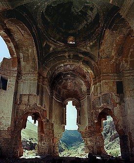 Church of Saint Sargis at Khtzkonk Monastery 25 km southwest of Ani.  Click for more.  (VirtualANI)